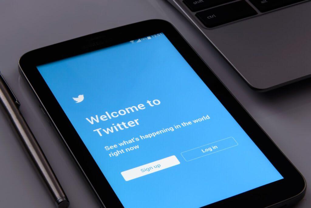 Twitter lisää tippaus toiminnon ja mukana myös Bitcoinit